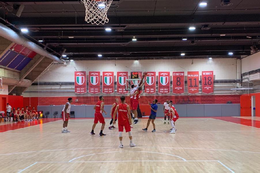 https://www.basketmarche.it/immagini_articoli/14-08-2020/scrimmage-varese-chiuso-seconda-settimana-lavoro-olimpia-milano-600.jpg