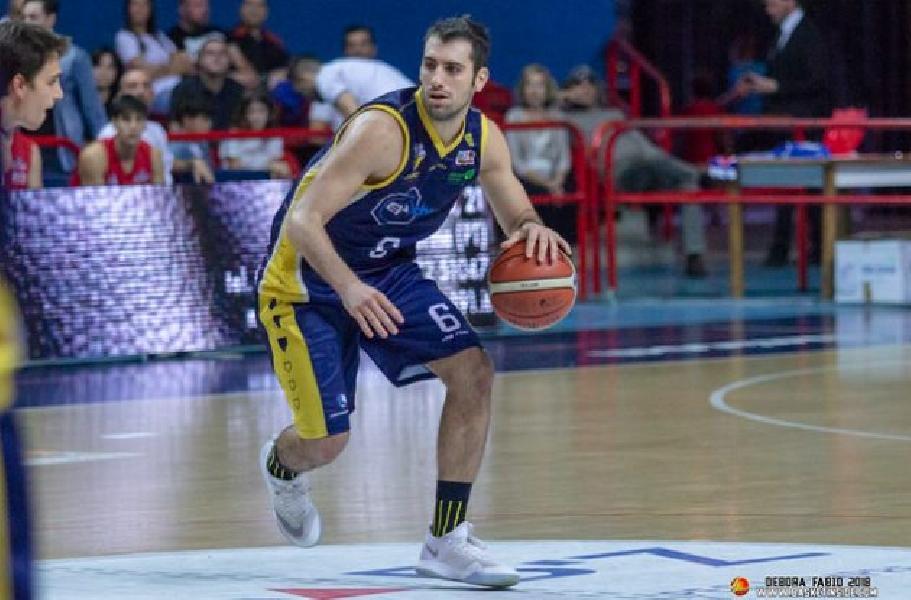 https://www.basketmarche.it/immagini_articoli/14-08-2020/sutor-montegranaro-ufficiale-anche-larrivo-playmaker-tommaso-minoli-600.jpg