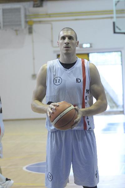 https://www.basketmarche.it/immagini_articoli/14-08-2021/ufficiale-proseguir-campania-carriera-vigor-matelica-600.jpg