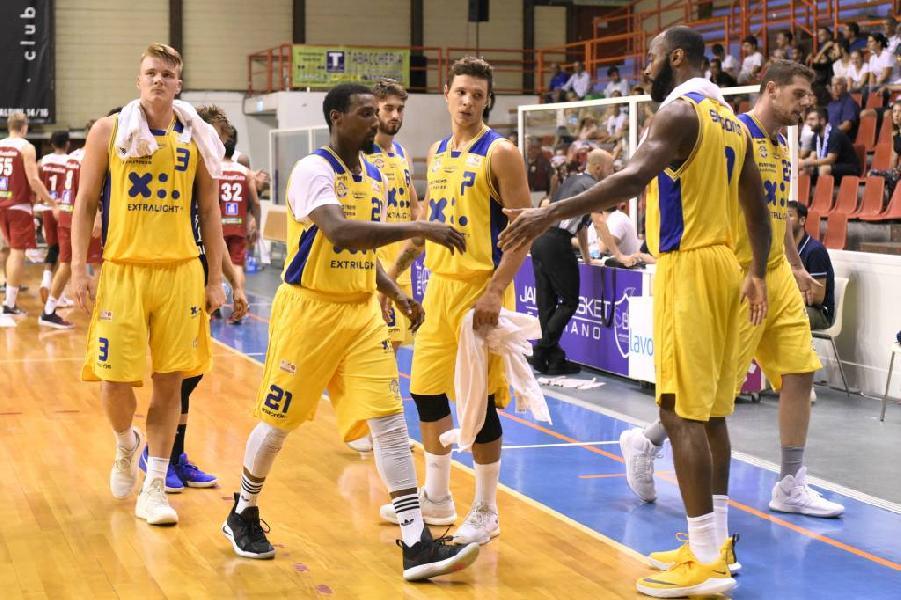 https://www.basketmarche.it/immagini_articoli/14-09-2018/serie-poderosa-montegranaro-weekend-amichevoli-partecipazione-micam-600.jpg