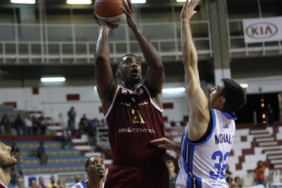 https://www.basketmarche.it/immagini_articoli/14-09-2019/supercoppa-pallacanestro-trapani-supera-gevi-trapani-passa-turno-600.jpg
