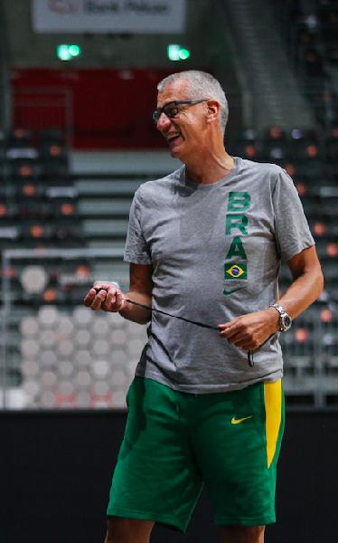 https://www.basketmarche.it/immagini_articoli/14-09-2021/ufficiale-separano-strade-coach-petrovic-nazionale-brasiliana-600.png