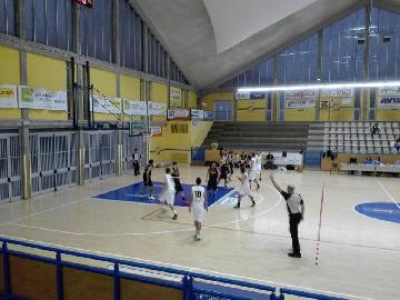 https://www.basketmarche.it/immagini_articoli/14-10-2017/d-regionale-convincente-vittoria-per-la-pallacanestro-acqualagna-a-fano-270.jpg