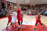 https://www.basketmarche.it/immagini_articoli/14-10-2018/teramo-basket-cuore-basta-derby-unibasket-pescara-120.jpg