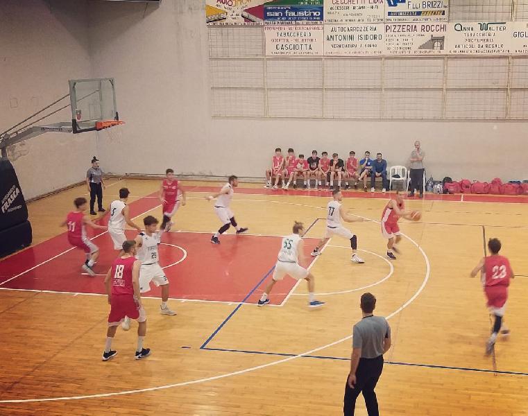 https://www.basketmarche.it/immagini_articoli/14-10-2019/maratona-vince-virtus-terni-uisp-palazzetto-perugia-sconfitto-dopo-supplementari-600.jpg