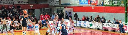 https://www.basketmarche.it/immagini_articoli/14-10-2019/porto-sant-elpidio-basket-lotta-cede-solo-finale-campo-capolista-ozzano-120.jpg
