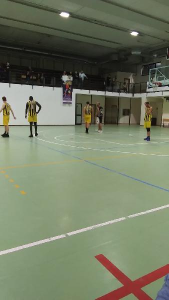 https://www.basketmarche.it/immagini_articoli/14-10-2019/victoria-fermo-esulta-gara-esordio-ascoli-basket-battuto-dopo-supplementare-600.jpg