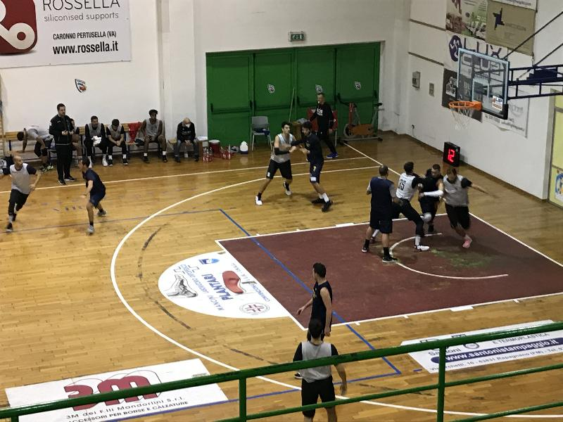 https://www.basketmarche.it/immagini_articoli/14-10-2020/utile-amichevole-virtus-civitanova-pallacanestro-recanati-600.jpg