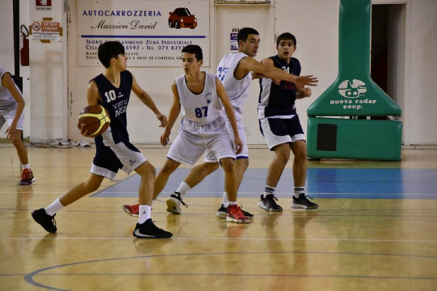 https://www.basketmarche.it/immagini_articoli/14-11-2019/under-gold-virtus-assisi-espugna-campo-basket-passignano-600.jpg