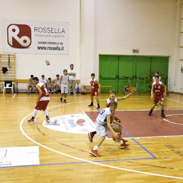 https://www.basketmarche.it/immagini_articoli/14-11-2019/under-pesaro-passa-campo-picchio-civitanova-rimane-imbattuta-600.jpg