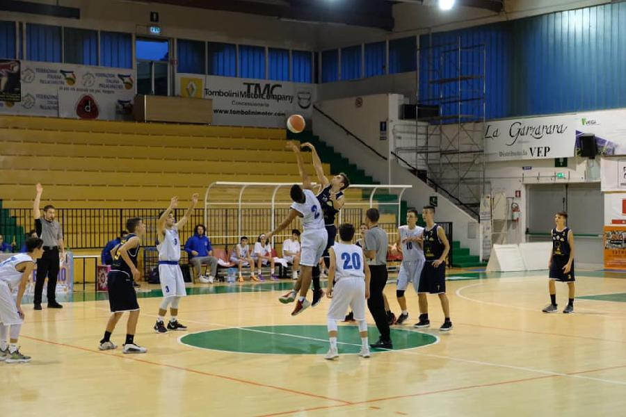 https://www.basketmarche.it/immagini_articoli/14-11-2019/under-porto-sant-elpidio-basket-cade-casa-poderosa-montegranaro-600.jpg