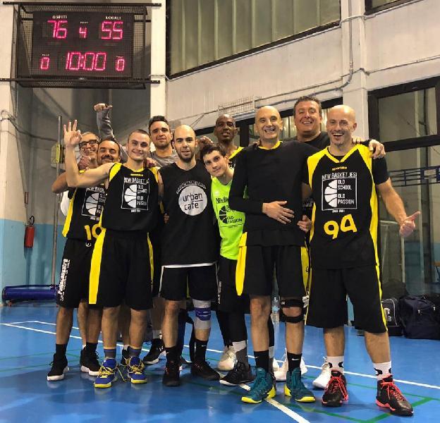 https://www.basketmarche.it/immagini_articoli/14-12-2018/basket-jesi-passa-campo-basket-2000-senigallia-resta-imbattuta-600.jpg