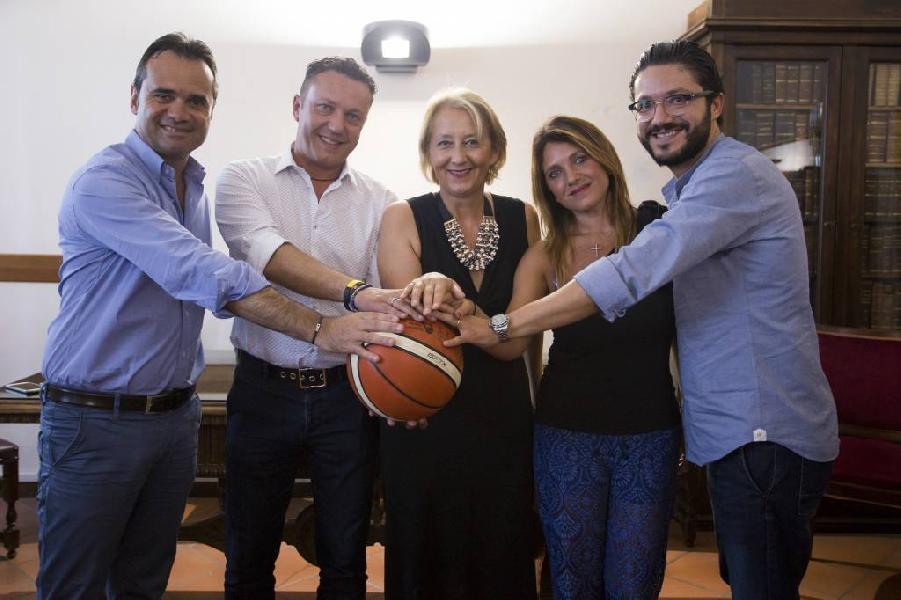 https://www.basketmarche.it/immagini_articoli/14-12-2018/poderosa-montegranaro-sceglie-porto-sant-elpidio-porto-giorgio-finali-coppa-italia-600.jpg