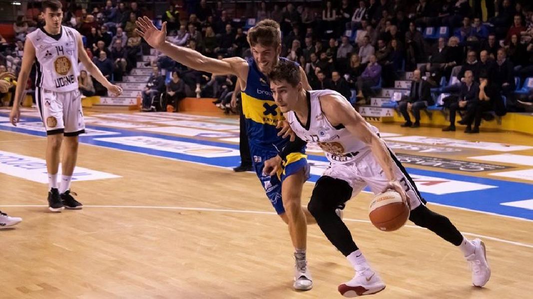https://www.basketmarche.it/immagini_articoli/14-12-2019/botto-poderosa-montegranaro-ufficiale-firma-esterno-riccardo-cortese-600.jpg