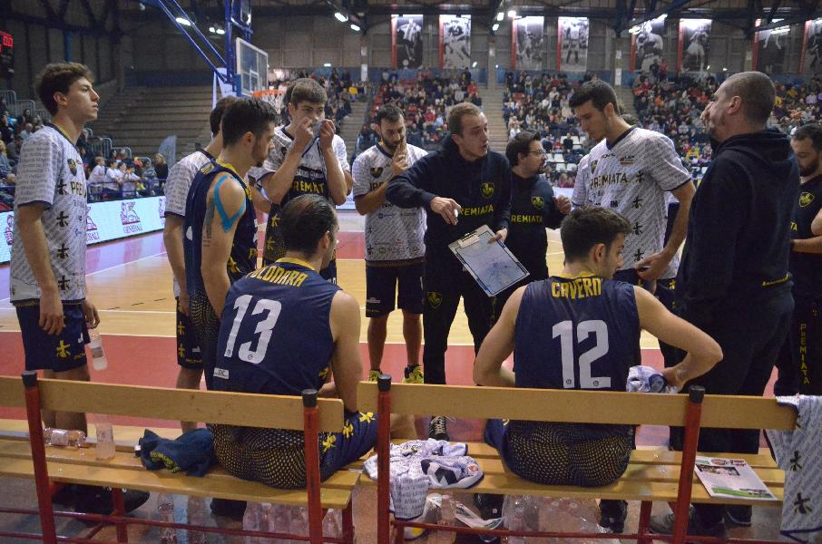https://www.basketmarche.it/immagini_articoli/14-12-2019/sutor-montegranaro-coach-ciarpella-imperativo-tornare-vittoria-prima-possibile-600.jpg