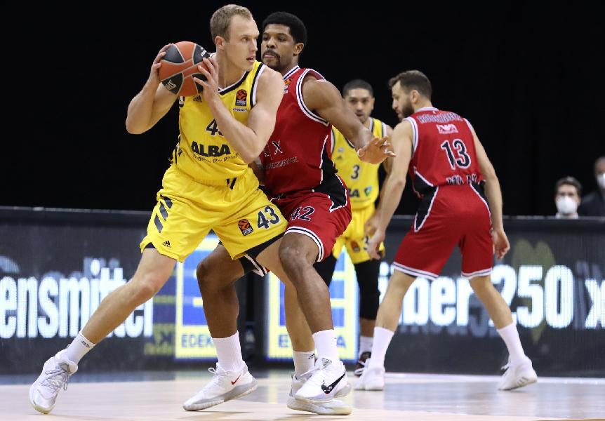 https://www.basketmarche.it/immagini_articoli/15-01-2021/milano-coach-messina-facile-vincere-alba-complimenti-miei-ragazzi-600.jpg
