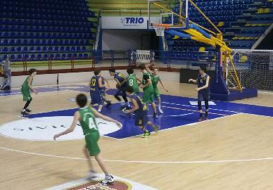 https://www.basketmarche.it/immagini_articoli/15-02-2018/under-14-regionale-il-basket-fermo-espugna-porto-san-giorgio-270.jpg