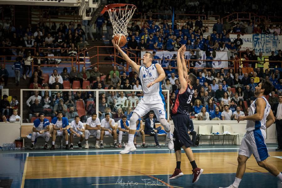 https://www.basketmarche.it/immagini_articoli/15-02-2019/janus-fabriano-atteso-derby-campo-virtus-civitanova-600.jpg
