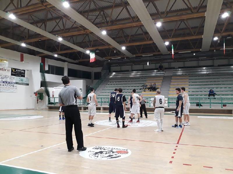 https://www.basketmarche.it/immagini_articoli/15-02-2019/marotta-basket-passa-campo-basket-montecchio-resta-imbattuto-600.jpg