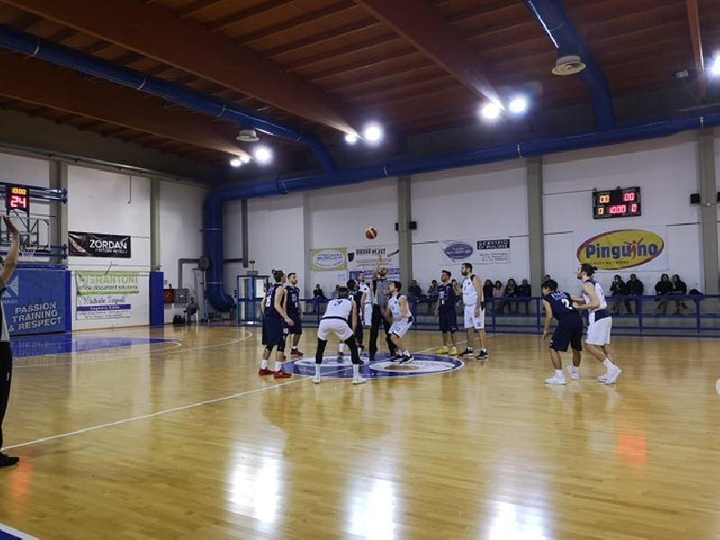 https://www.basketmarche.it/immagini_articoli/15-02-2019/regionale-live-risultati-anticipi-venerd-girone-tempo-reale-600.jpg