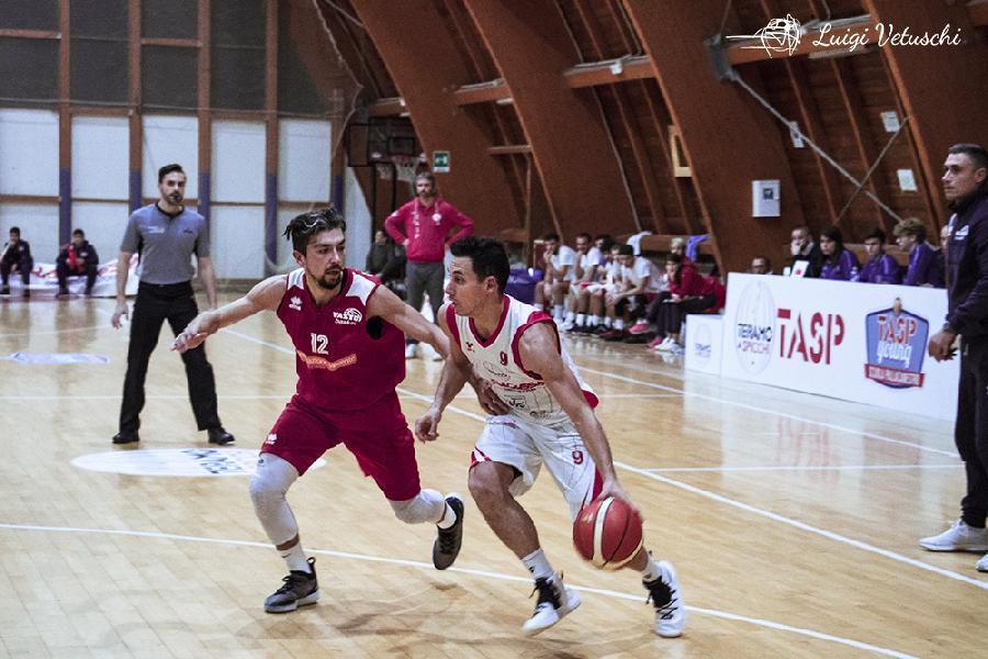 https://www.basketmarche.it/immagini_articoli/15-02-2019/tasp-teramo-campo-capolista-vasto-coach-stirpe-andiamo-fare-nostra-partita-600.jpg