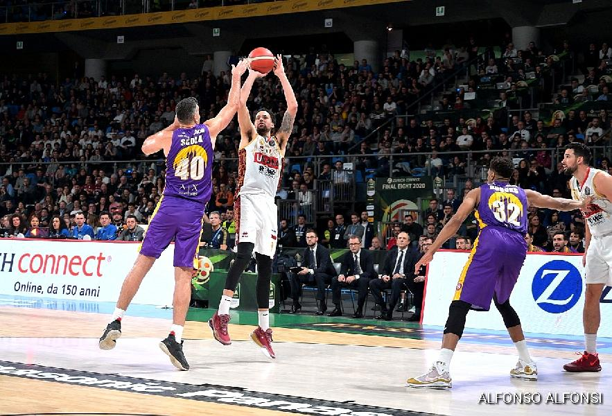 https://www.basketmarche.it/immagini_articoli/15-02-2020/final-eight-coppa-italia-reyer-venezia-supera-olimpia-milano-prima-finalista-600.jpg