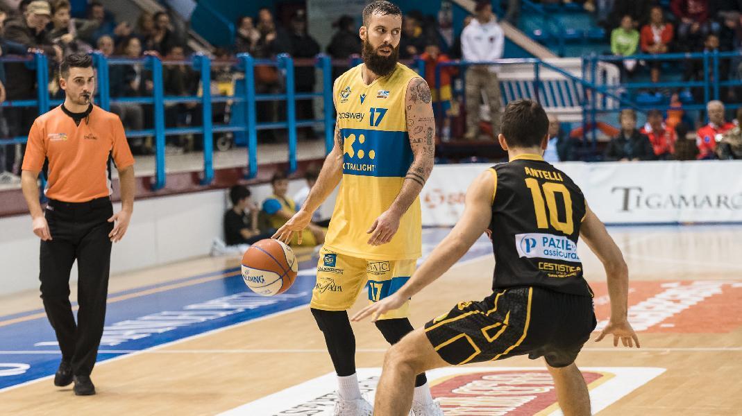 https://www.basketmarche.it/immagini_articoli/15-02-2020/poderosa-montegranaro-attesa-delicata-sfida-campo-cestistica-severo-600.jpg