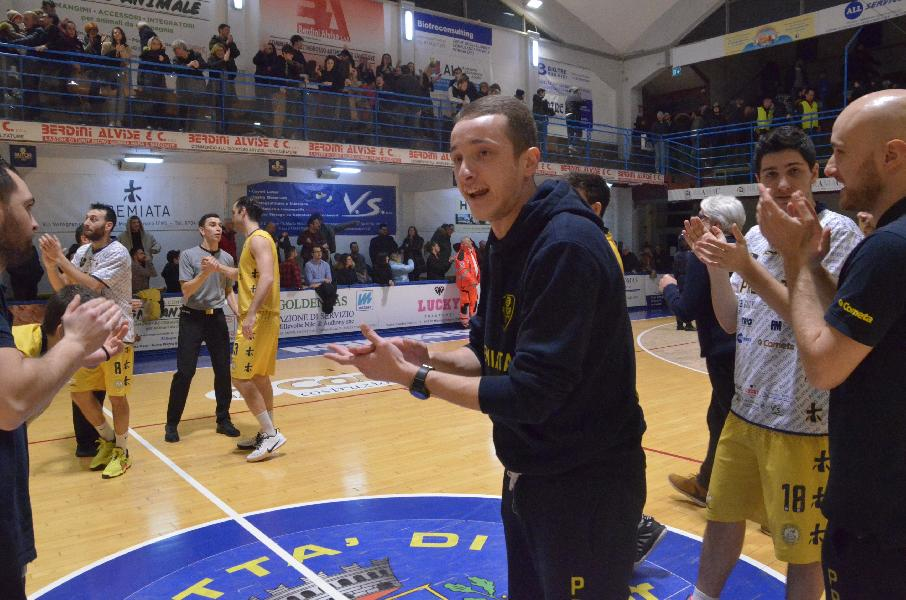 https://www.basketmarche.it/immagini_articoli/15-02-2020/sutor-montegranaro-coach-ciarpella-mettere-difficolt-chieti-dovremo-imporre-aggressivit-intensit-600.jpg