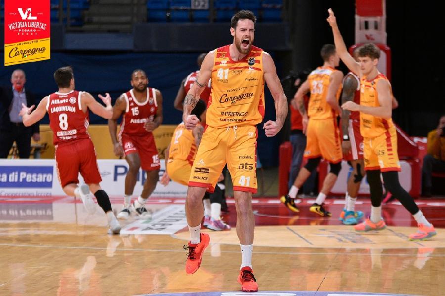 https://www.basketmarche.it/immagini_articoli/15-02-2021/italbasket-coach-sacchetti-convoca-simone-zanotti-posto-infortunato-600.jpg