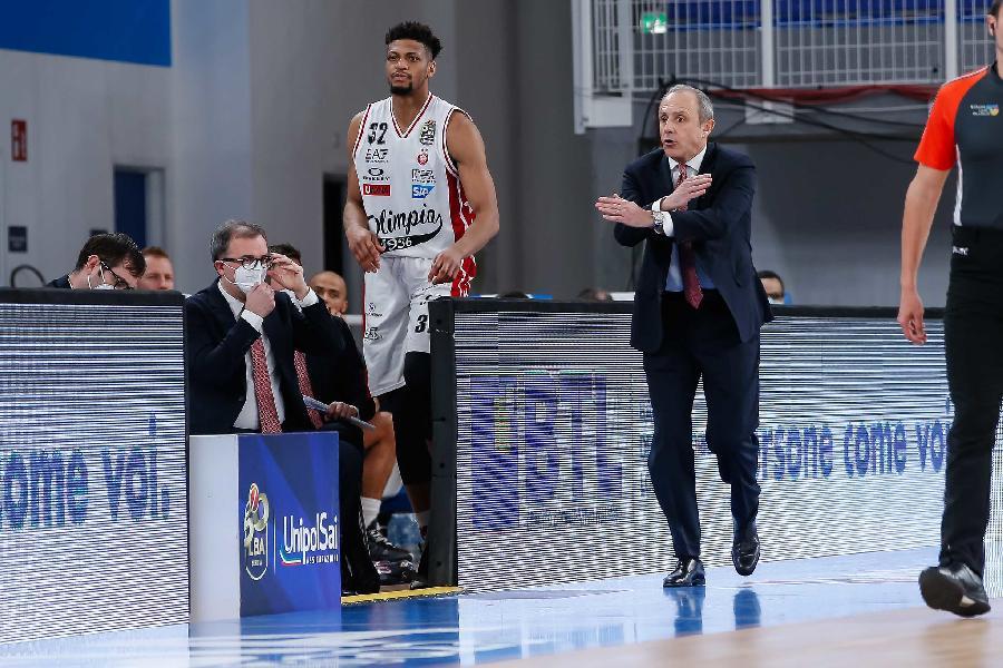 https://www.basketmarche.it/immagini_articoli/15-03-2021/olimpia-milano-coach-messina-vinta-partita-difficile-squadra-molto-fisica-600.jpg