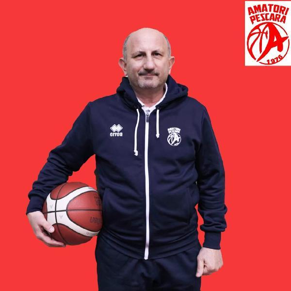 https://www.basketmarche.it/immagini_articoli/15-03-2021/pescara-coach-castorina-soddisfatto-atteggiamento-squadra-lavoreremo-sugli-errori-commessi-600.jpg