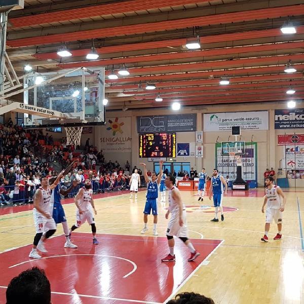 https://www.basketmarche.it/immagini_articoli/15-04-2019/prova-forza-janus-fabriano-derby-senigallia-600.jpg