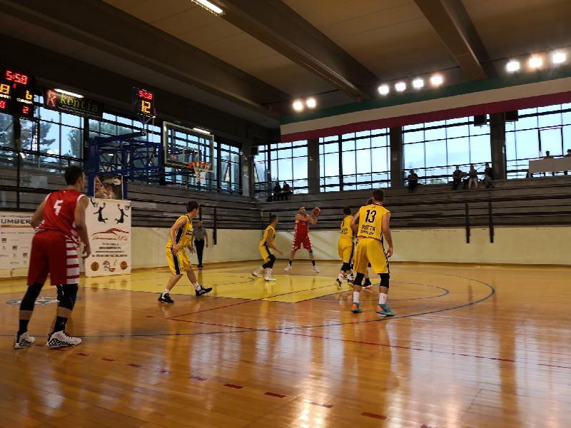 https://www.basketmarche.it/immagini_articoli/15-05-2021/basket-tolentino-passa-campo-fratta-umbertide-conquista-primi-punti-600.jpg