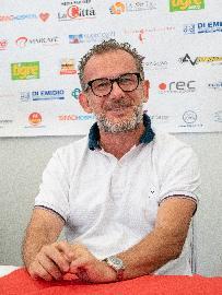 https://www.basketmarche.it/immagini_articoli/15-06-2018/serie-b-nazionale-teramo-basket-le-prime-parole-del-nuovo-allenatore-massimiliano-domizioli-270.jpg