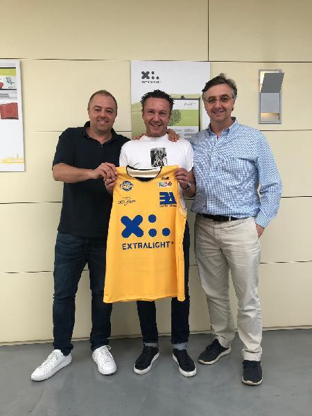 https://www.basketmarche.it/immagini_articoli/15-06-2019/extralight-ancora-main-sponsor-poderosa-pallacanestro-montegranaro-600.jpg