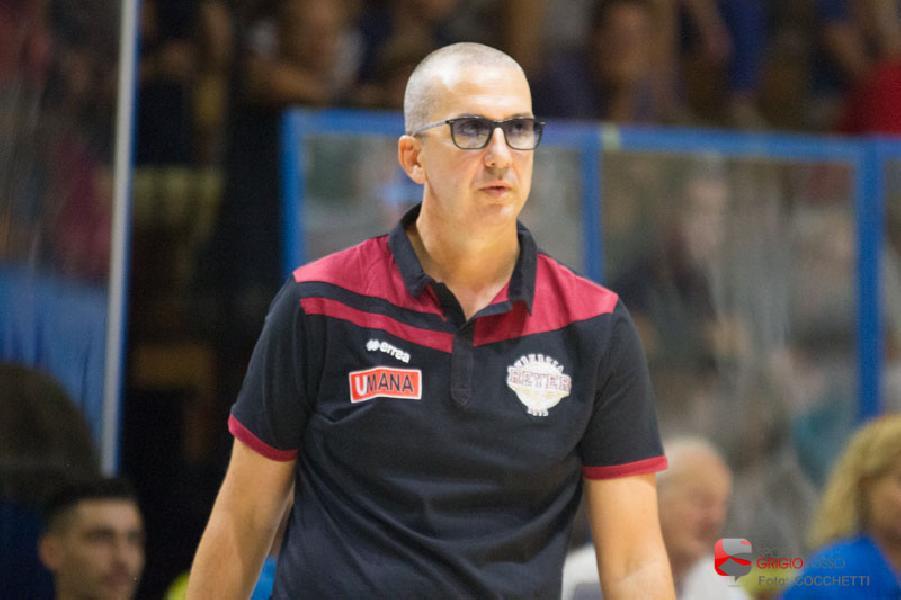 https://www.basketmarche.it/immagini_articoli/15-06-2019/reyer-venezia-coach-raffaele-ringrazio-miei-giocatori-hanno-avuto-durezza-mentale-giusta-600.jpg