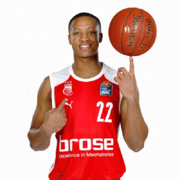 https://www.basketmarche.it/immagini_articoli/15-06-2021/olimpia-milano-interesse-concreto-esterno-devon-hall-600.jpg