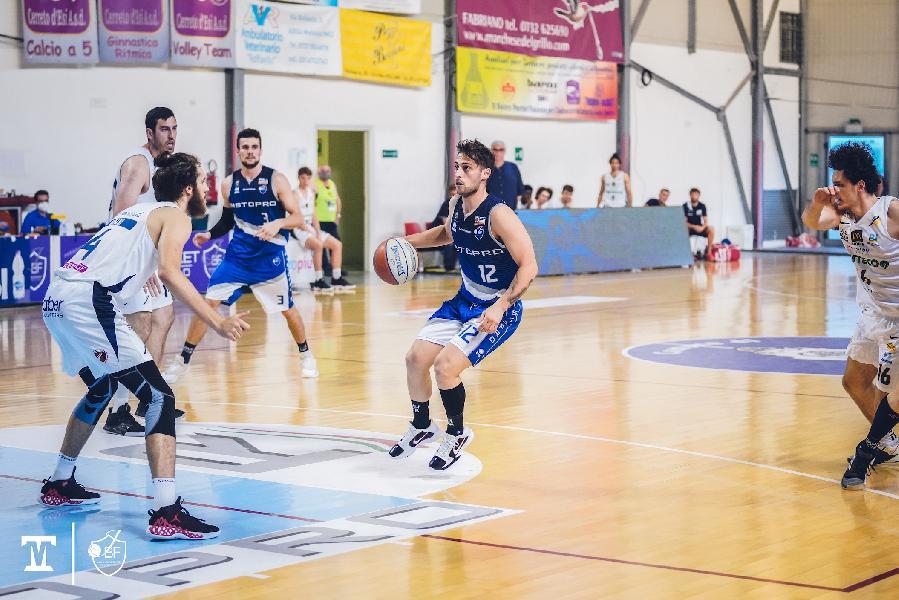 https://www.basketmarche.it/immagini_articoli/15-06-2021/playoff-cassar-domina-janus-fabriano-vola-cividale-serie-passo-600.jpg
