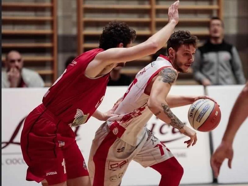 https://www.basketmarche.it/immagini_articoli/15-07-2020/ufficiale-filippo-testa-giocatore-raggisolaris-faenza-600.jpg