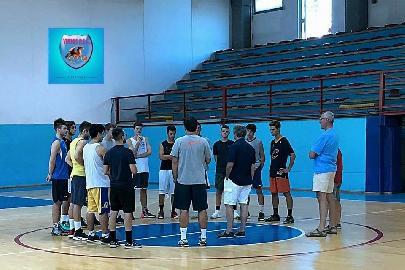https://www.basketmarche.it/immagini_articoli/15-09-2017/serie-c-silver-segnali-di-crescita-per-la-virtus-porto-san-giorgio-nel-test-con-la-victoria-fermo-270.jpg