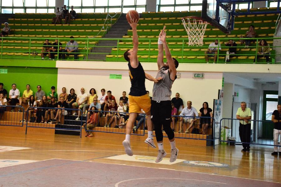 https://www.basketmarche.it/immagini_articoli/15-09-2018/serie-gold-sutor-montegranaro-sconfitta-campo-virtus-civitanova-600.jpg