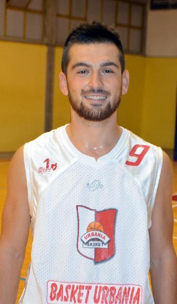https://www.basketmarche.it/immagini_articoli/15-09-2018/serie-silver-matteo-longoni-giocatore-pallacanestro-titano-marino-600.jpg