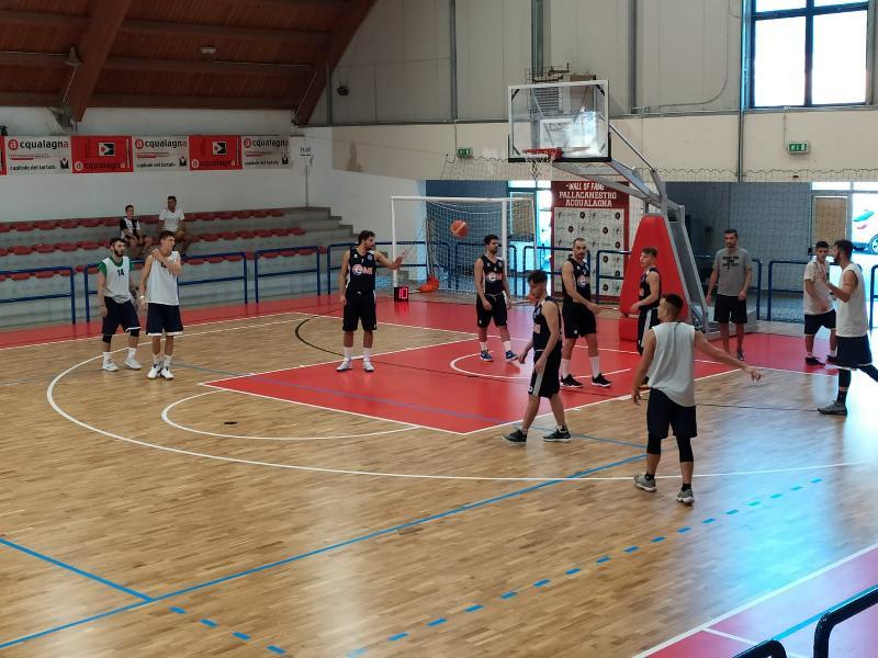 https://www.basketmarche.it/immagini_articoli/15-09-2019/buone-indicazioni-pallacanestro-acqualagna-test-basket-gubbio-600.jpg