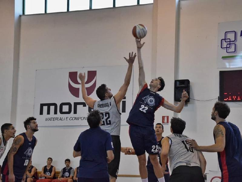 https://www.basketmarche.it/immagini_articoli/15-09-2019/indicazioni-positive-virtus-civitanova-test-amichevole-pallacanestro-senigallia-600.jpg