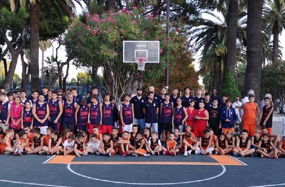 https://www.basketmarche.it/immagini_articoli/15-09-2019/tanto-entusiasmo-presentazione-stagione-sambenedettese-basket-600.jpg