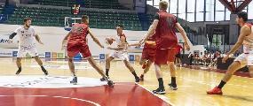 https://www.basketmarche.it/immagini_articoli/15-09-2019/unibasket-lanciano-cede-amichevole-teate-basket-chieti-120.jpg