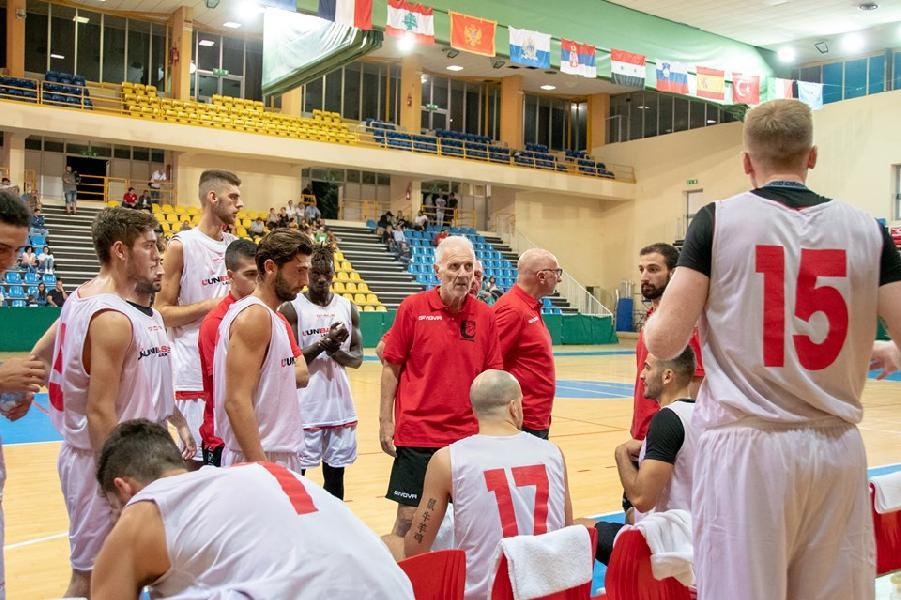 https://www.basketmarche.it/immagini_articoli/15-09-2019/unibasket-lanciano-seconda-torneo-casa-coach-dobbiamo-continuare-lavorare-pazienza-600.jpg