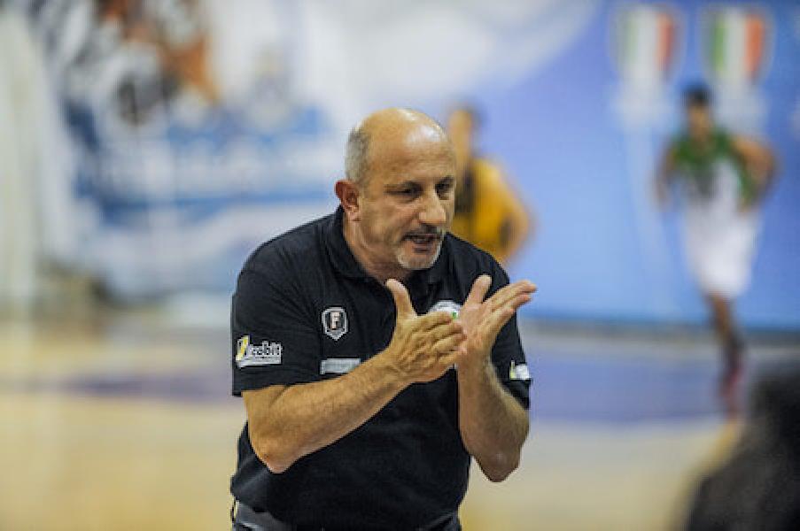 https://www.basketmarche.it/immagini_articoli/15-10-2018/magic-basket-chieti-coach-castorina-siamo-stati-bravi-continuiamo-lavorare-600.jpg