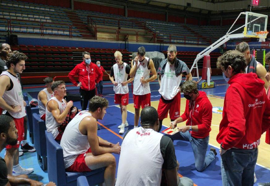 https://www.basketmarche.it/immagini_articoli/15-10-2020/buon-test-infrasettimanale-pistoia-basket-miniato-600.jpg