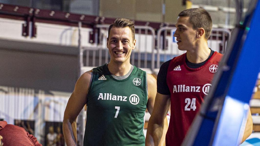https://www.basketmarche.it/immagini_articoli/15-10-2020/ufficiale-pallacanestro-trieste-firma-lala-jakob-cebasek-600.jpg